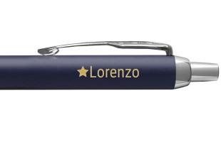 Penna con nome inciso